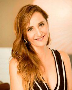 Ursula-Calvo-wellness-speaker-thinking-heads