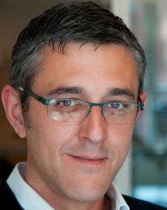 eduardo-madina-politica-internacional-motivacional-speaker-thinking-heads