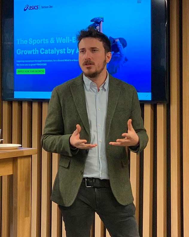 pep-gomez-startup-inversor-emprendedor-speaker-thinking-heads