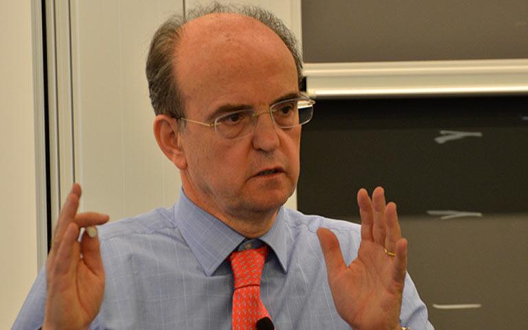 santiago-alvarez-mon-liderazgo-crisis-webinar-thinking-heads