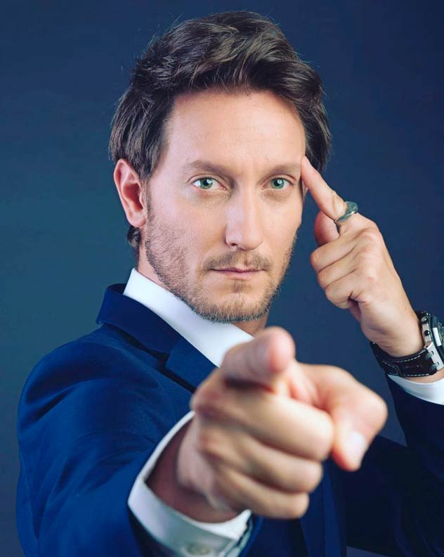 Picture of Lior Suchard